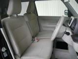 インテリア・シートカラーはベージュ基調!ゆったり座れるフロントベンチシートです!