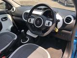 内装はフランス車らしい落ち着いた雰囲気が感じられます!