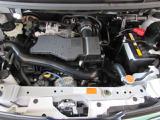 1リッター 1KR-FE型 エンジン アイドリングストップ機能付きの低燃費エンジン、街乗りやお買物また通勤と、維持費の面でとても経済的。