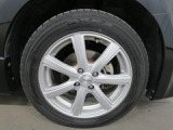 タイヤの溝はまだまだあります。交換(有料)もできます。