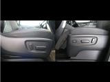 運転席シートリフターがついてますよ!それぞれの方の体格にあったドライビングポジションに調整できますv(・。・)v