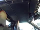 トップシーリングもたいへんキレイです♪安全装備もバッチリ♪Wエアバック、サイドエアバックも標準装備♪