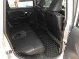 圧迫感のないゆったりとした空間が広がる室内です。リヤシートは足元や膝周りもゆったりしてくつろぎのスペースで、リラックスしてドライブをお楽しみいただけます♪