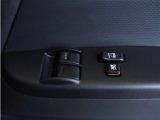 【パワーウィンドウ】運転席と助手席にパワーウィンドウが付いています。※グレードによって違いがあるのでご注意下さい。