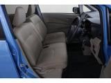 運転席はシートリフターつき!シートの高さ調整が可能!ご自身に合ったドライビングポジションを取ることが出来ます!