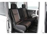 ゆったり8人乗り♪どの席に座っても大人でも広々くつろげる快適空間。シートアレンジの豊富さも、人気の理由です◎