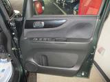 ご納車のお渡し前も当社のメカニックが最善の整備をしますので、ご安心下さい。