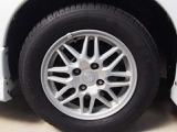 純正アルミホイール・タイヤの残量も8割程度御座います。