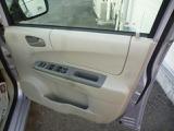 運転席ドアから全パワーウインド・ドアミラー調整・ドアミラー電動格納の操作が出来て便利です。