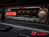 オーディオには純正CD・MDオーディオが装備されております。シンプルの機能で使い勝手の良いオーディオですが、ポータブルオーディオをお使いの方には社外オーディオへの交換をオススメ致します!