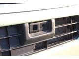 スマートアシスト用レーザーレーダー(センサー)はフロントバンパー内に埋め込まれています。