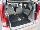 リヤシートを倒せば、大きな荷物もしっかりと積載可能ですよ☆