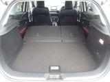 リヤシートを前に倒すと荷室スペースが広がり、大きな荷物も積み込み可能です!