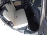 後部座席(右側より)