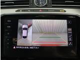 ★ギアをリバースに入れると車両後方の映像を見ることができます。車庫入れや縦列駐車もスムーズにできます。