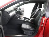 ★見た目の高級感と、適度にホールドされるシートは運転時の疲労軽減の効果があります。
