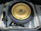 万が一のパンクの時に安心のスペアタイヤが付いてます。