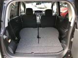 リヤシートを倒せば大きな荷物も搭載可能