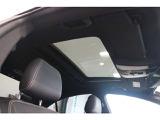 ☆明るく開放的!車内の空気入替えにも便利♪サンルーフが装備されています。