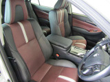 トヨタ高品質Car洗浄『まるまるクリン』施工済。運転席・助手席シートを外して車内をクリーニングしてます。