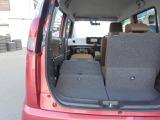 助手席側フロント&リヤシートを畳み込めば、長尺モノも室内に積み込んでいただけます!!