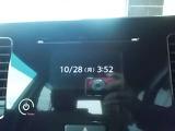 前のモニターで時間を確認したり、CDを聴く事ができます。