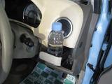 ハンドル横にドリンクホルダー 視線を外すことなく使えます