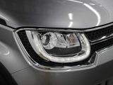 LEDヘッドランプに加え、力強い顔つきを演出する特徴的なLEDポジションランプを採用しています。