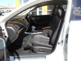 助手席はオットマンシートで快適なドライブをお楽しみいただけます!