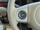 ハンドルを握りながら、オーディオ操作が可能な、ステアリングスイッチ!目線の移動も最小限で行えます!!