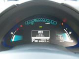 ◆ツインデジタルメーター◆マーチ状のデザインとブルーイルミネーションが先進的な、ツインデジタルメーター!充電状態や出力・回生状態を確認できるほか、エコドライブのアシスト機能も備えています!