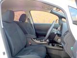 スエード調トリコットのシートが高級感を醸し出している内装です。エアリーグレーのシートカラーで広々とした印象を受けますね!