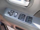 ワンタッチにてミラーが格納できますので狭い駐車場も安心です