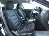 人間工学に基づきシートの快適性能を突き詰めて設計を行った運転がし易く疲れにくいとても良いシートです♪