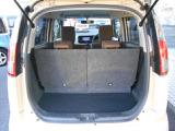 大容量のトランクは開口部も大きく荷物の出し入れも楽々です。