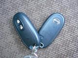 インテリジェントキーは、バッグやポケットに入れたままでドアロックの開け閉めからエンジン始動まで出来るんです。荷物で両手がふさがっていても安心です。
