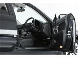 重厚感あるシートは使用感も少なくキレイな状態♪リラックして運転ができますね!