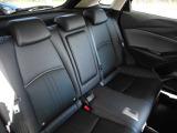 後席も必要以上に体が動くことも無く長時間のドライブでも疲れにくくなっております。