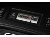車両統合制御技術のX-MODE! X-MODEをオンにすると制御が介入し、エンジン、 ブレーキ、AWD、VDCを制御し、スムーズな脱出が可能になります。