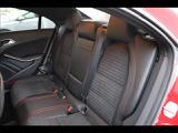 リアシートです。使用感も感じられません!!ベンツならではのホールド力の高いシートを使用しております。後席には、チャイルドシートも取付可能です。