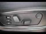 パワーシート・シートメモリー装備。シートポジションもボタン一つで設定できます。
