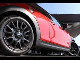 DuelL AGとのコラボレートショップです。GIGAMOT製低ダストブレーキパットや車高調、エアクリーナー、マフラーの交換などのメジャーカスタムから、エアロパパーツの取付まで幅広くご提案いたします。