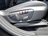 動フロントシート♪シートポジションは2パターンまで記憶しておく事が出来ます!順番に運転するにはとても便利な機能です♪ランバーサポート付なので背中のシート圧をスイッチで調整できます☆