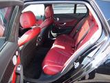 【後部座席】新デザインのシートクッションや最適化されたフロントシート構造によるレッグルーム、ニールームの拡大により後席の快適性はさらに向上しました!