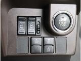 運転席からスイッチ1つで両側のスライドドアの開閉が可能です!