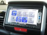 ナビゲーションはギャザーズメモリーナビ(VXM-155VSi)が装着されております。AM、FM、CD、DVD再生、ワンセグTVがご使用いただけます。土地勘の無い所でも道に迷わず安心ですね!