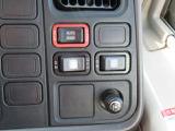 運転席から左側自動ドア開閉できます☆