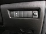 リモコンキーを取り出さなくてもエンジンを始動でき、ドアの開錠・施錠もボタン一つです。