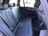 人間工学に基づき設計されたスポーティなシートは長距離ドライブにも最適です。