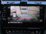 もちろんコーナーセンサーにバックカメラ。車庫入れも安心です。